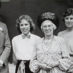 (L-R) Martin Drury ,Annabel Wylie, Ruth Trounce, Jenny Wright, Doris Cranham, celebrating the successful completion of the King's Bed project in 1987