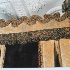 The Cloth of Gold King's Bed at Knole, topped with ostrich feather plumes | Jenny Wright