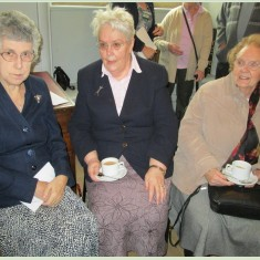 L-R: Jenny Wright, Ethelwyn Osborne, Cynthia Hurrell at the oral history exhibition at Knole