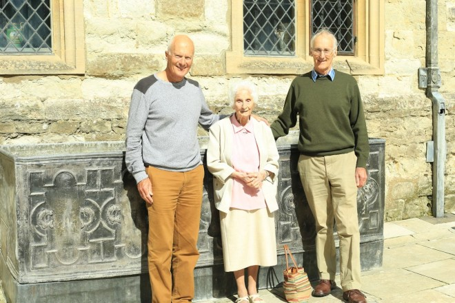Kay Stratford, 100, flanked by her sons Paul (left) and Ian (right), on a visit to Knole in the summer of 2014. Kay's mother was roast meat cook in the Knole kitchen at the turn of the 20th century; while Kay herself was in service as a ladies' maid.