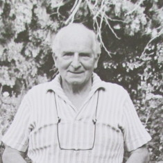 Joined Knole staff in 1925, retired1983