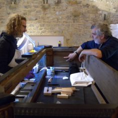 Jan Cutajar (L) and Ian Tyers (R) discussing the dendrochronology of the Knole kussenkast | Nathalie Cohen